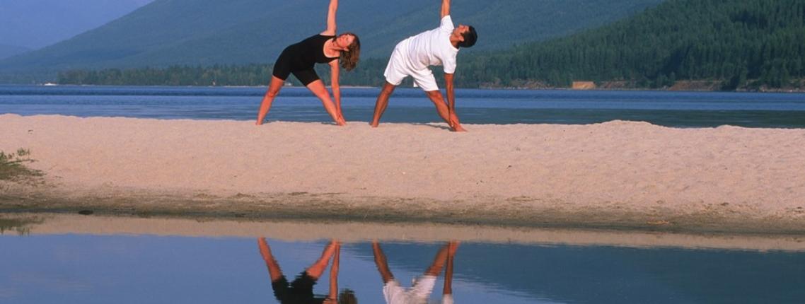 Yoga-at-kokanee-beach